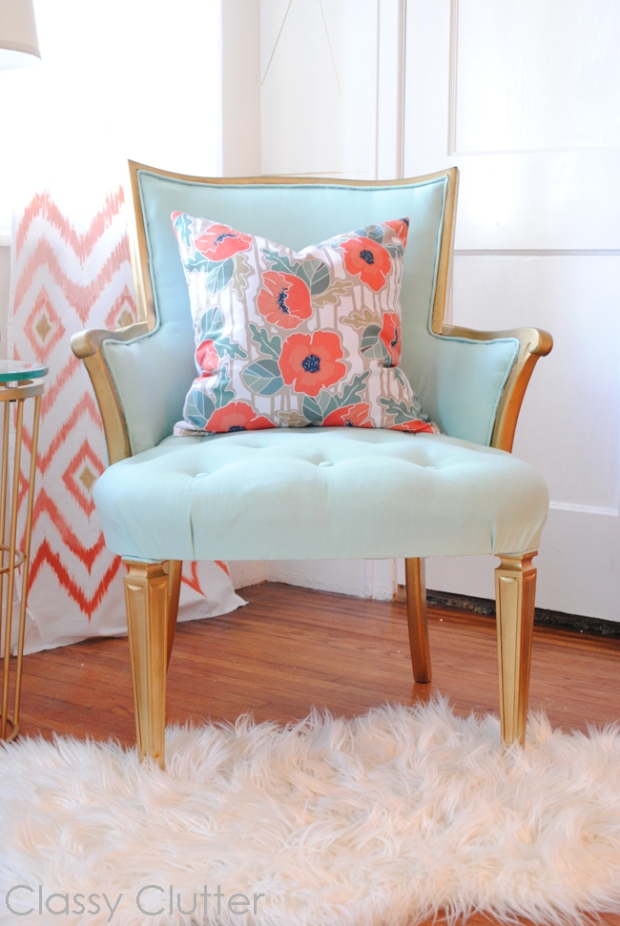 Mint-Chair-Corner_2