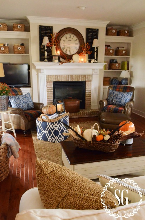 FALL-HOME-TOUR-fall-room-shot-stonegableblog.com_-e1411690659581