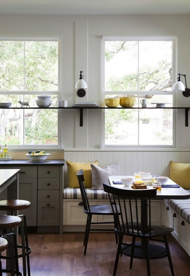 Farmhouse-kitchen-with-Banquette-Remodelista-733x1063